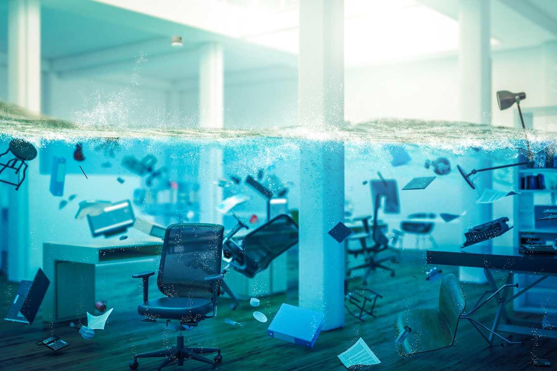 oficina inundada. montaje