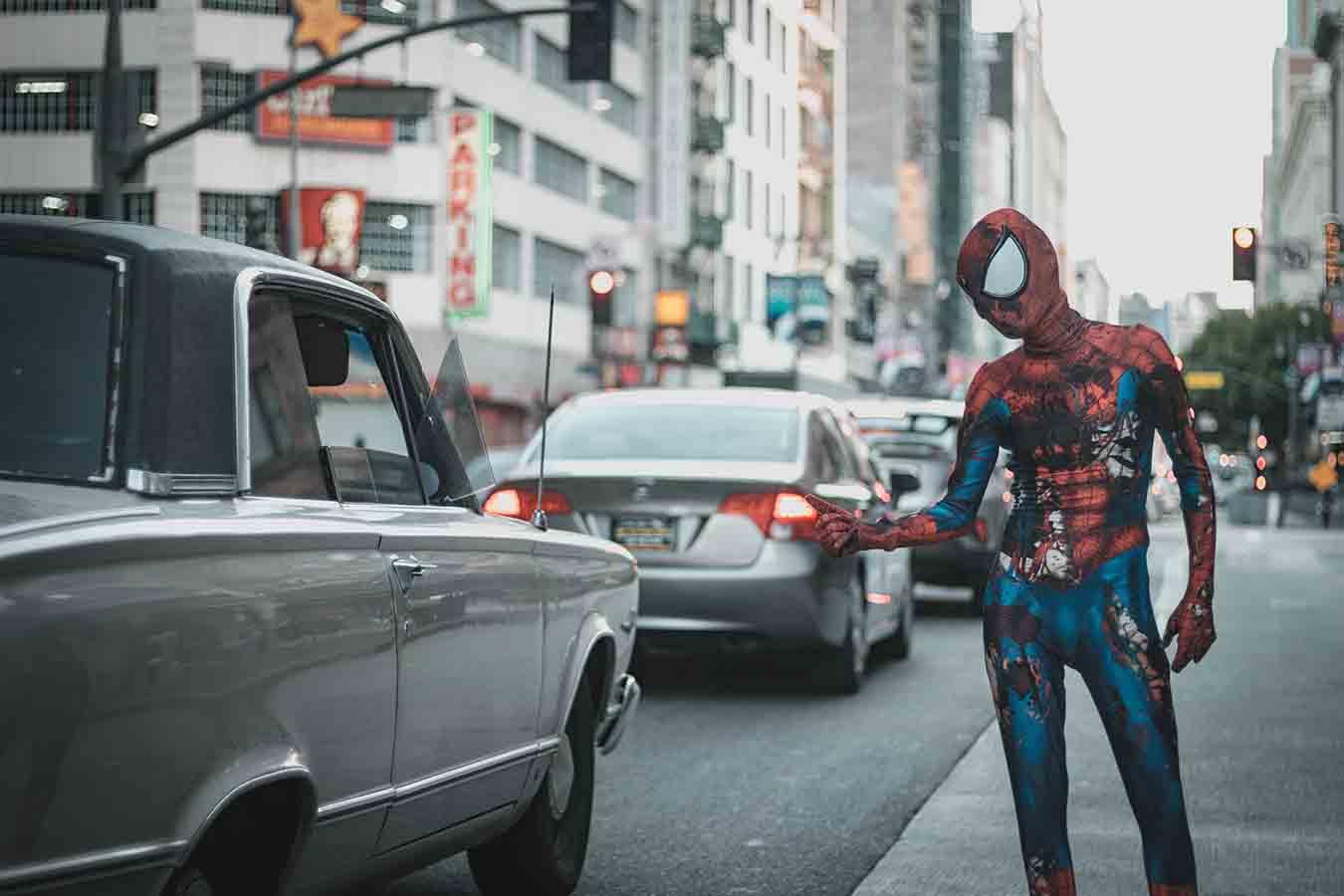 spiderman en la calle de Nueva York